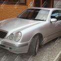 Автомобиль бизнес-класса Mersedes E320 W210